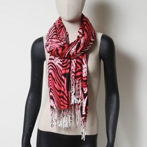 Accessories - Tiger patterned scarf with fringe